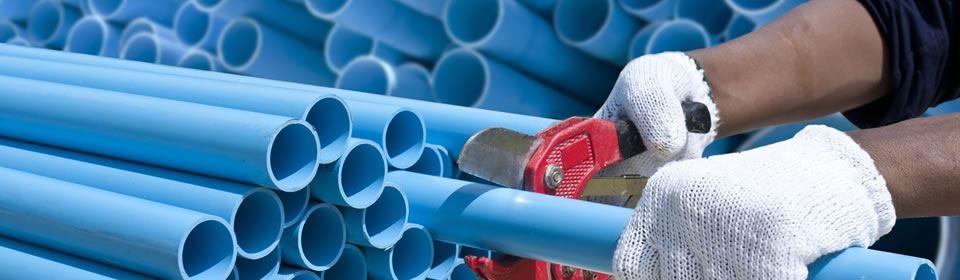 Nieuwe rioolbuizen worden gebruikt voor rioolaanleg